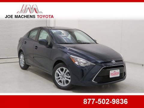 New 2018 Toyota Yaris iA Base 4 door