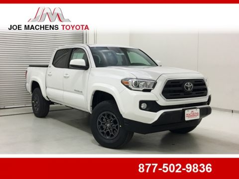 New 2018 Toyota Tacoma SR5 4D Double Cab
